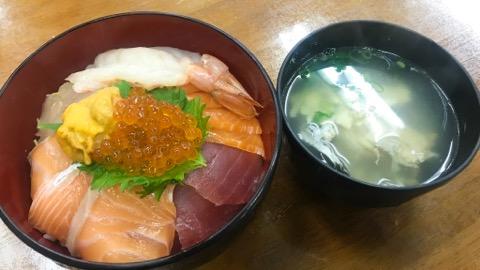 市場の食堂 上海鮮丼
