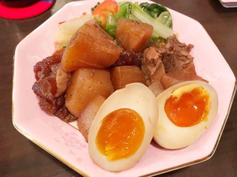 台湾料理「銭記」 すじ肉と大根煮