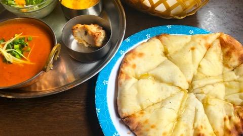 インド・ネパール料理 サプナ チーズナン